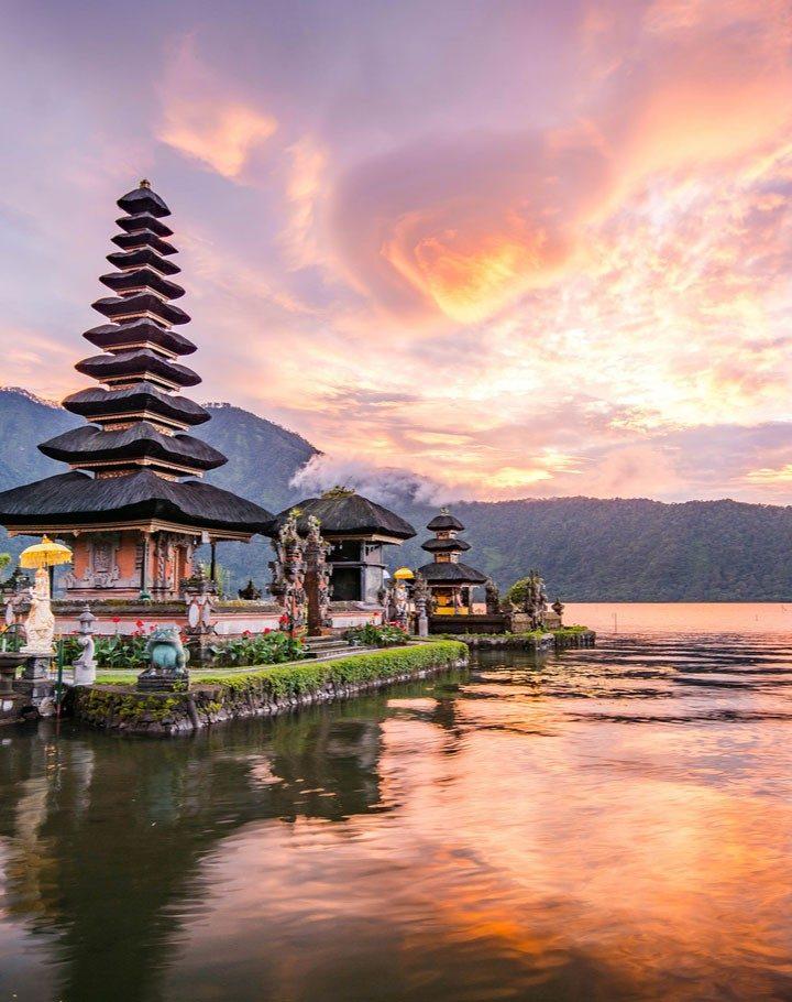 Komentar Waras Ide Wisata Halal Bali Sandiaga : Ide Yang Mahal dan Merugikan
